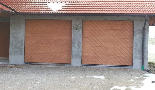 Garagensektionaltor mit bauseitiger Holzfüllung