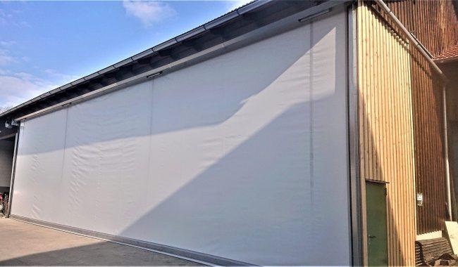 Das Protexo Planenrolltor bietet mit speziell entwickelten Wellenhalter eine Öffnungsweite von 20 x 6m