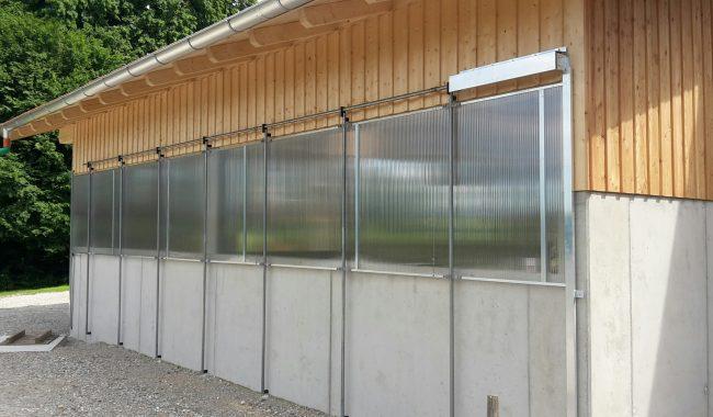 Lichtband absenkbar mit sehr hochwertigen Polycarbonat-Lichtplatten